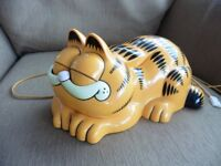 """This vintage """"Garfield"""" phone is in full working order. Fun and cute to use! See details."""