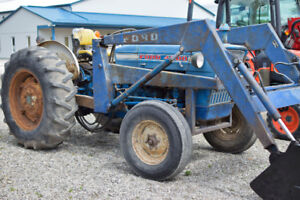 Ford 4000 Tractor with Loader | Gas engine