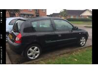 Renault clio 1.2 dynamic billabong low tax and insurance group