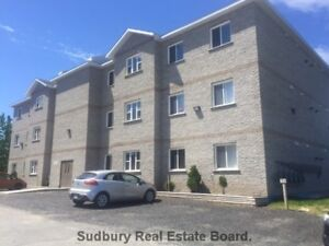 LARGE EXECUTIVE STYLE 2 BEDROOM