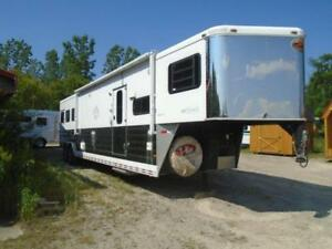 SALE 2006 Sundowner Trailer 3 Horse Living Quarter 15' SW Slide