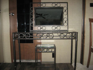 Nesting tables and mirror
