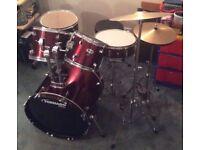 5 piece drum kit (with hi-hat and crash cymbol)