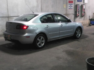 MUST SEE  05 Mazda  3  fresh safetied