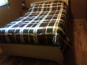 6 Piece Double Bed Set Solid Wood in Great Condition