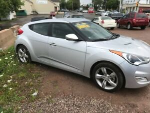 2013 Hyundai Veloster Coupe (2 door)