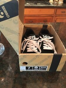 men's size 7 Osiris skateboard shoe