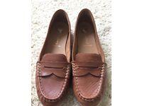 Tan leather shoes TU size 6