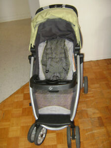 Safety 1st stroller with seat car + base in excellent condition
