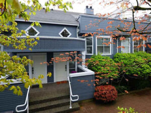 Central Lonsdale Townhouse for sale:  3 bedroom 1,530 sq.ft.