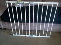 Safety gate/ stair gate