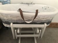 Moses basket and sliding stand