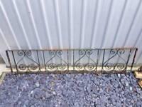 1 x Ornate wall railing 1.8m x 39cm need painting. Pet pen