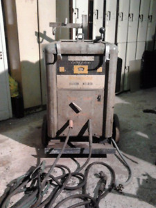 500 Amp Westinghouse DC Stick Welder It is big, it is gray