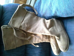 beautiful suade boots tan new never wear.