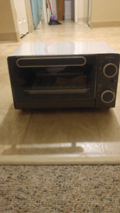 Sunbeam Toaster Oven FOR SALE (Itemcode: TSSBTV6000)