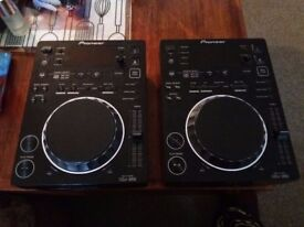 Mint condition Pioneer CDJ350 x2 (pair) For Sale.
