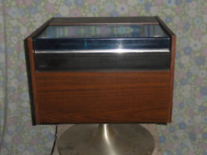 Deluxe Record Player/Radio consule