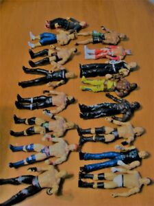 WWE WRESTLING  RING WITH  16 FIGURES