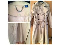 Gap trench with extra linen detachable
