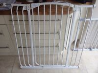 Dream baby large stair gate
