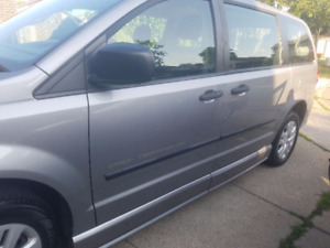 2013 Dodge Grand Caravan Handicapped Wheelchair accessible