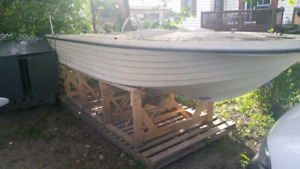 14' Fibreglass Boat And Outboard Motor