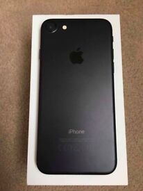 Apple iPhone 7 32GB (boxed) UNLOCKED mint condition