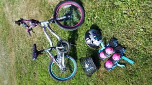 """16"""" Monster High bike with extras"""