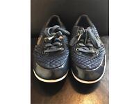 Firetrap shoes size 5 boys navy blue