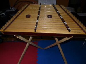 **REDUCED FOR QUICK SALE ** CHROMATIC HAMMERED DULCIMER