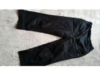 H&M Maternity long shorts calf lenght