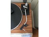 Hitachi vinyl record player with radio and excellent quality speakers