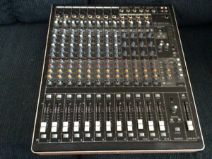 Mackie 1640i Analog board with Firewire and Roadcase For Sale