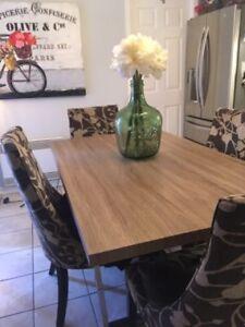 Table diner cuisine look bois grange industriel grise