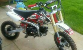 M2r Racing 125cc pitbike, Immaculate condition. Just seeing what offers I get.