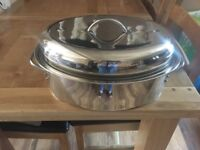 Large casserole pot