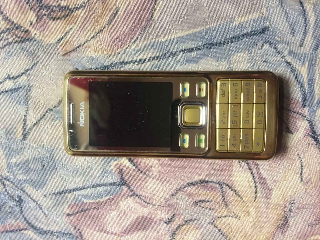 Nokia 6300 saphire in gold very good condition