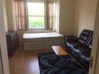2 Bedroom Flat in London SE18