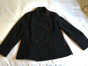 Short black wool coat - double breasted