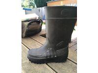 Derri Wellington boots size 8 and 9