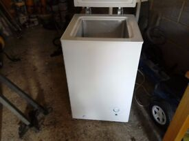 """Chest freezer 20"""" wide 21"""" depth 34"""" high with freeze control with vgc gwo can deliver local"""