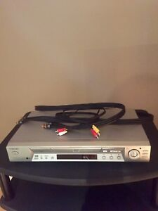 DVD PLAYER 20$ MUST GO