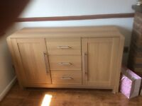 Sideboard / cabinet