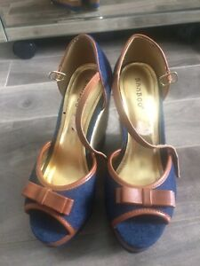 Size 7 * perfect condition *