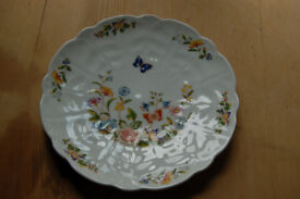 Vintage Aynsley scalloped edged cottage garden plate 18cm.