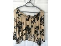 Newlook size 8 flower print crop top with zip at the back - only worn once - offers accepted
