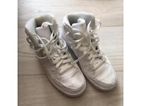 Nike high tops size 6