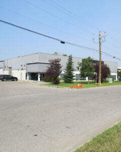 LEASE: High Quality Showroom/Warehouse with Exposure to Deerfoot