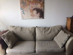 Large 3 seat sofa with 2 pillows